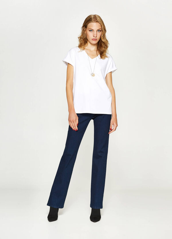 T-shirt stretch con scollo a V