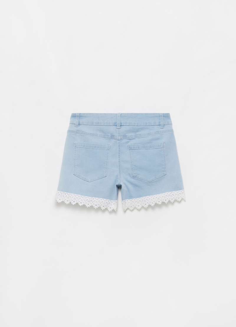 Shorts in denim con inserto effetto pizzo image number null