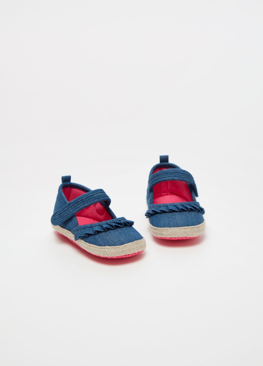 Baby girl shoes in pleated denim