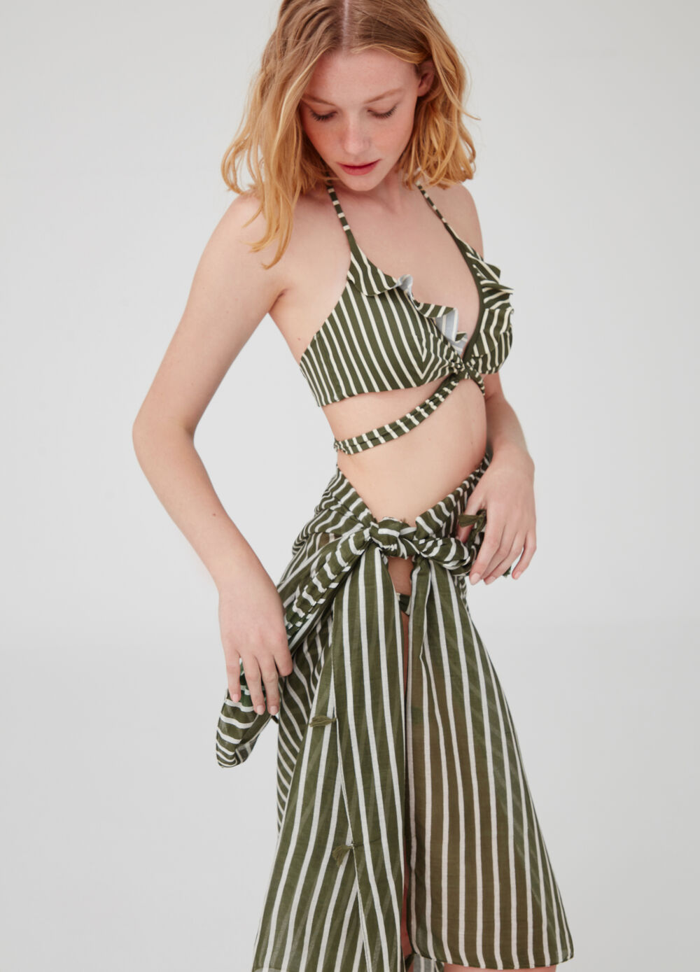 Long beach wrap with striped pattern and tassels