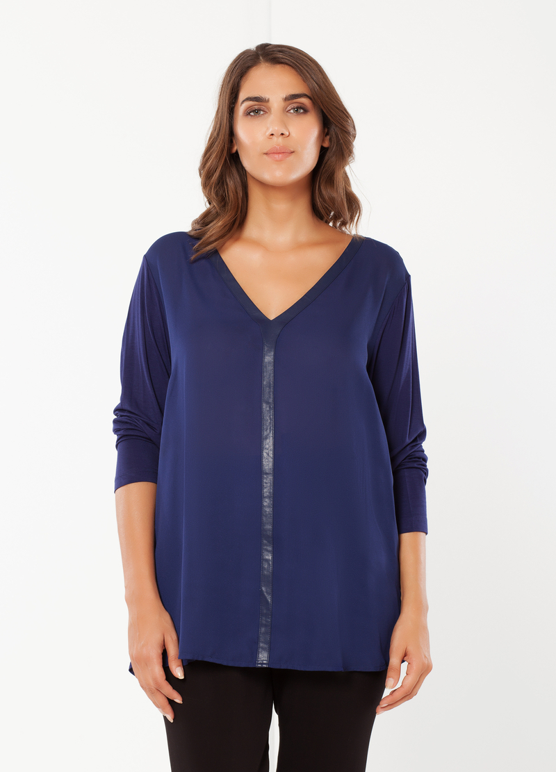 Curvy T-shirt with long sleeves image number null