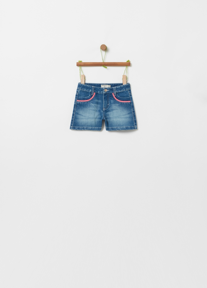 Shorts in denim effetto maltinto image number null