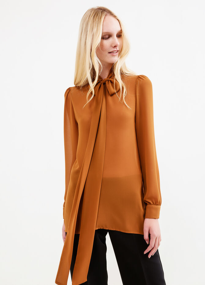 Solid colour blouse with bow