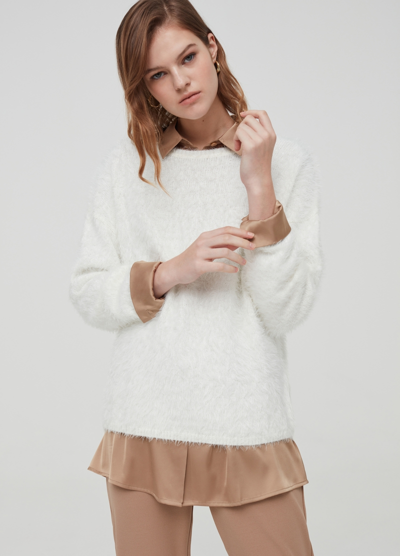 Crew-neck pullover in faux fur image number null