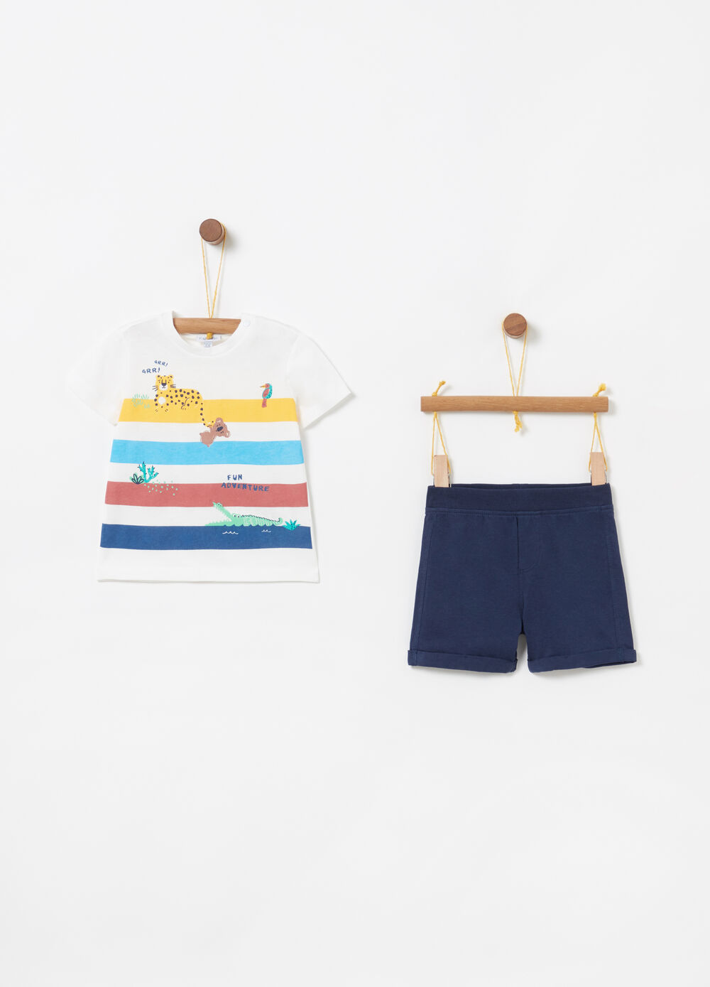 Jogging set with T-shirt and shorts with animals and ribbing