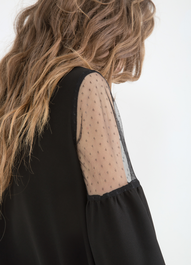 Blusa in pizzo semi trasparente image number null