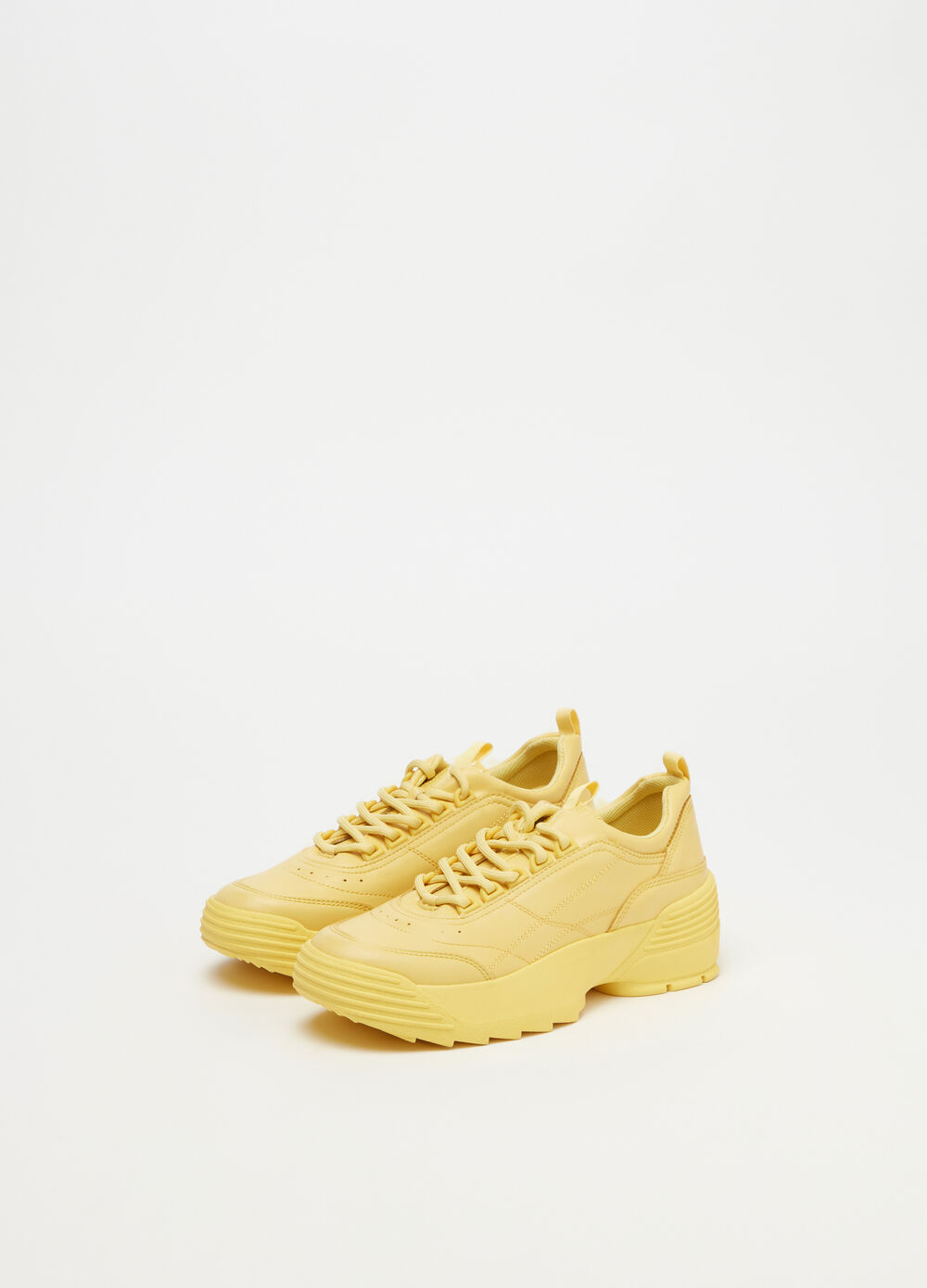 Chunky sneakers with contrasting stitching