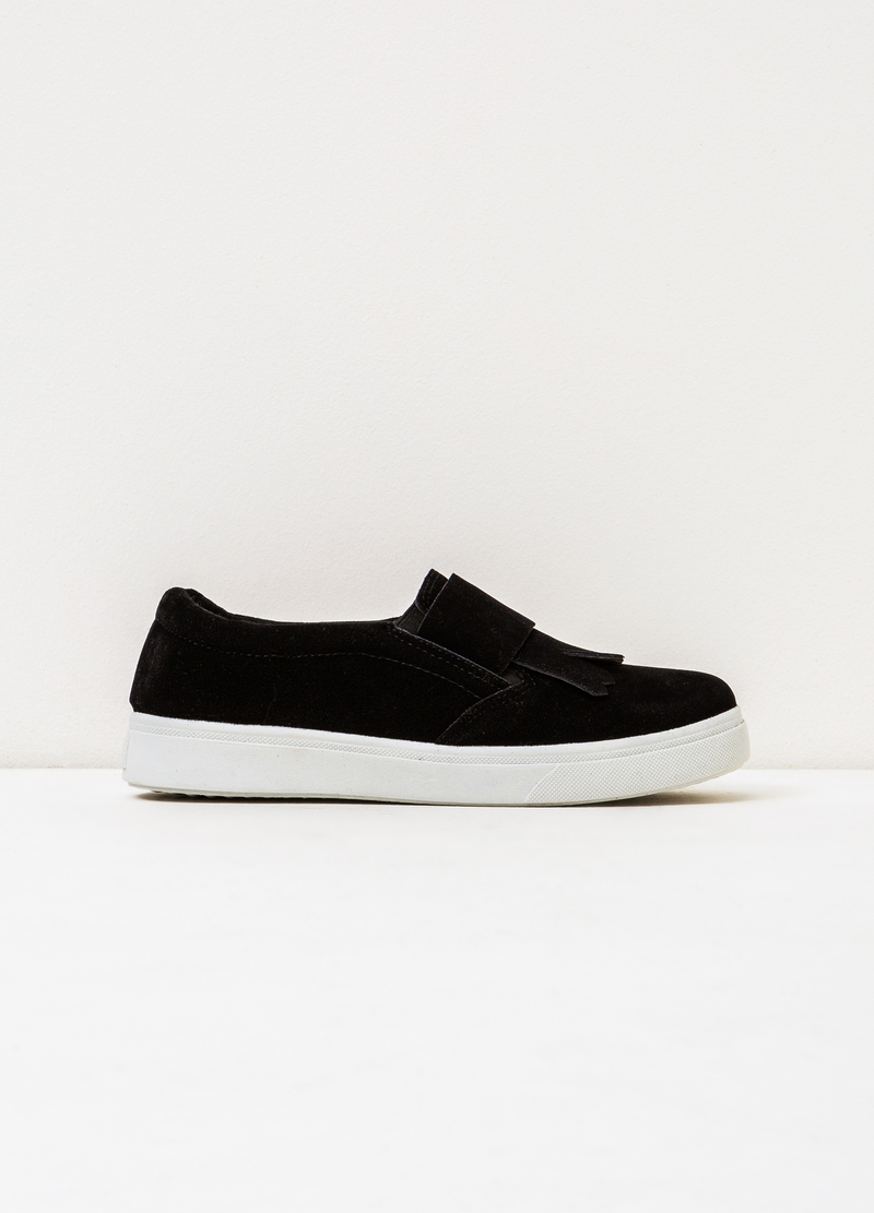 Solid colour slip-ons with contrasting sole. image number null