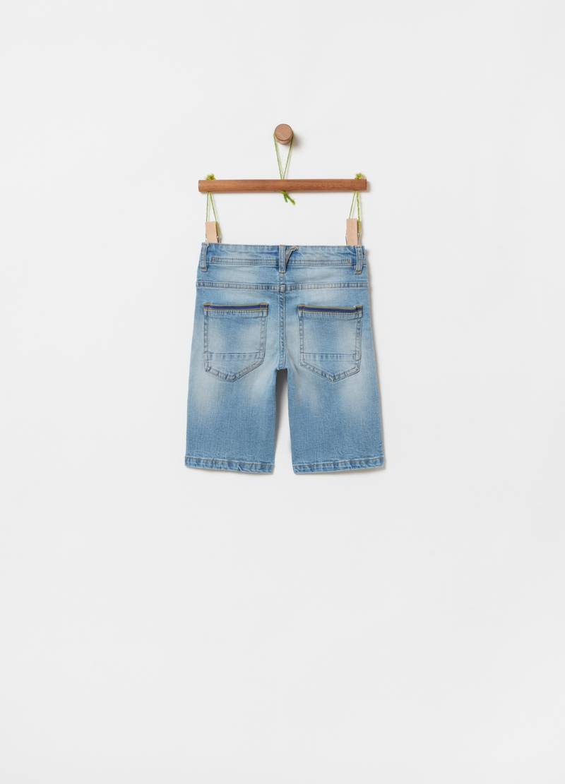 Shorts in denim stretch effetto maltinto image number null