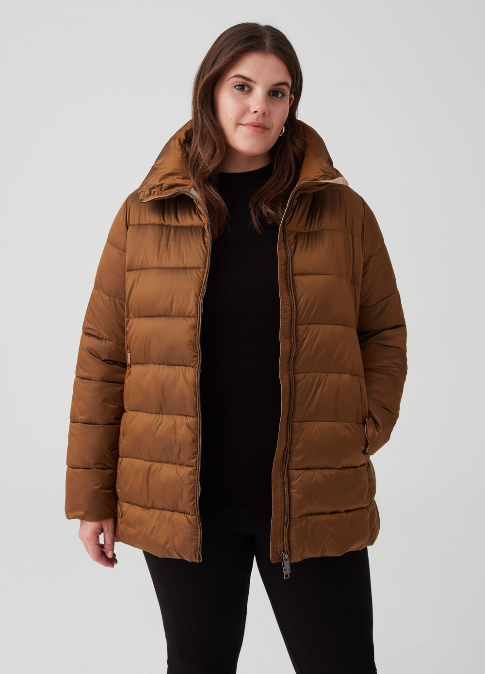 Curvy short padded coat with pockets