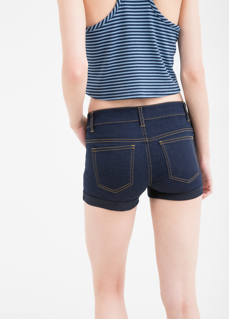 Solid colour stretch shorts with turn-ups image number null