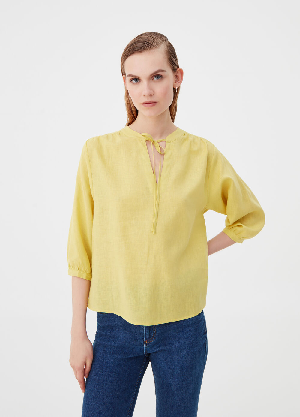 Viscose and linen blouse with laces
