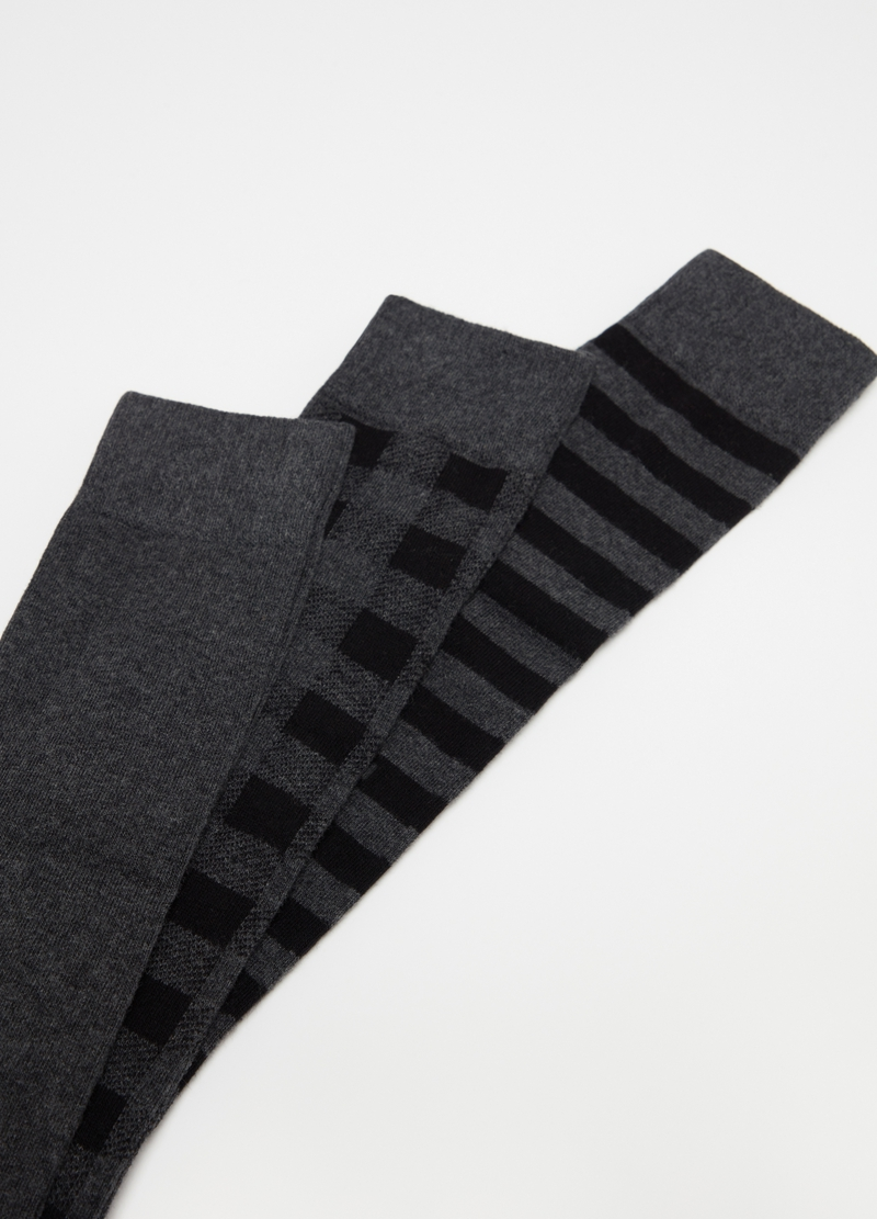 Three-pair pack long stretch socks with pattern image number null