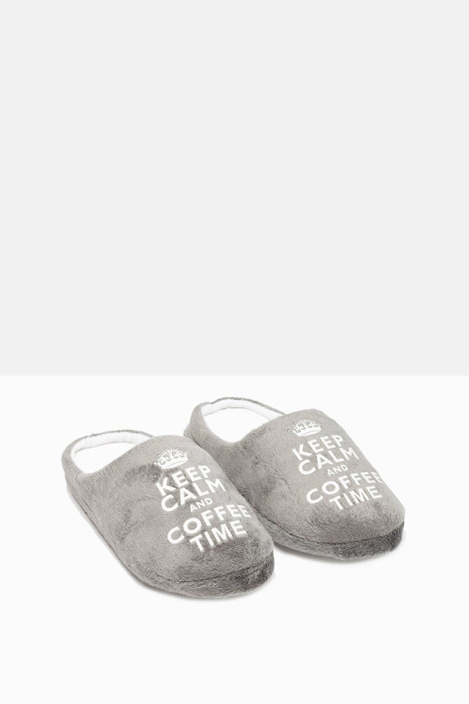 Slippers with printed lettering