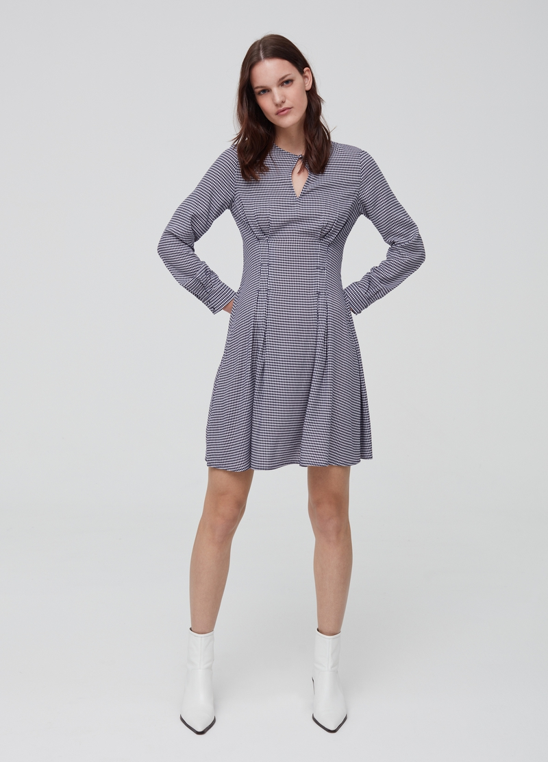 Short check dress in 100% viscose image number null