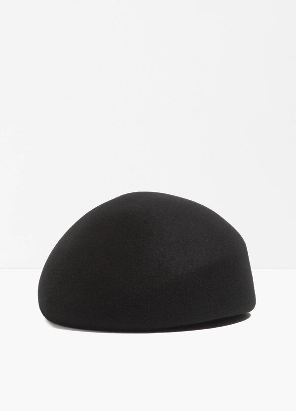 Solid colour wool beret
