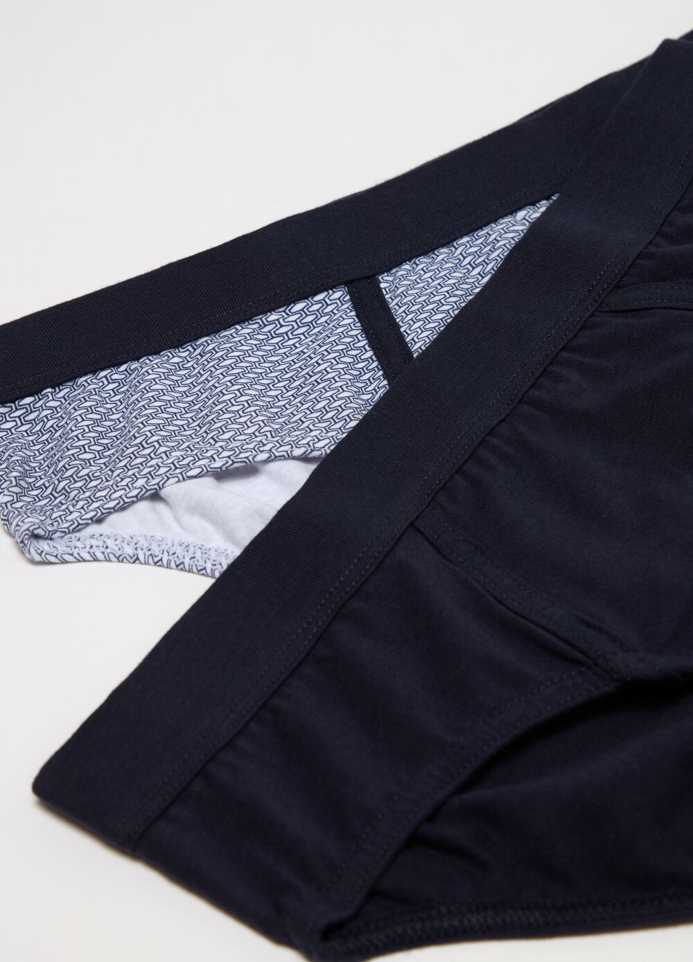 Two-pack patterned briefs in stretch cotton