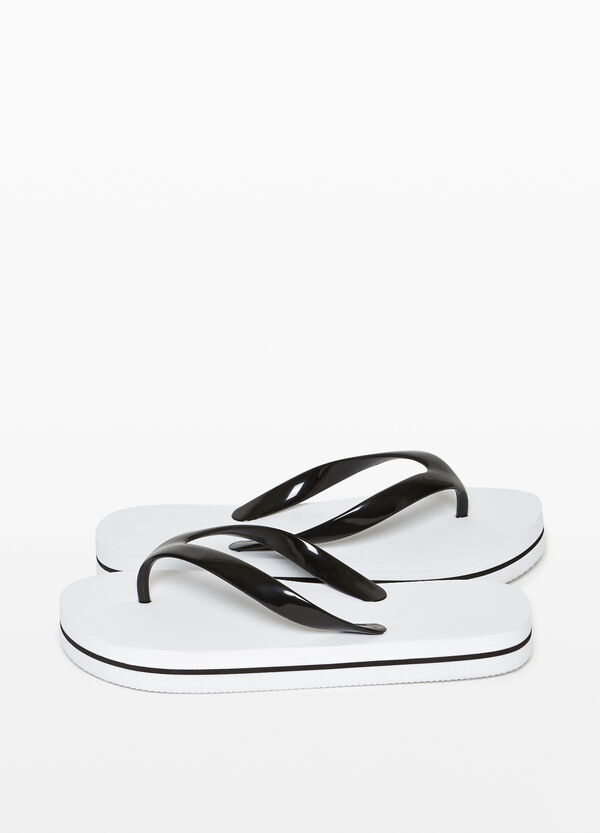 Rubber flip flops with contrasting straps