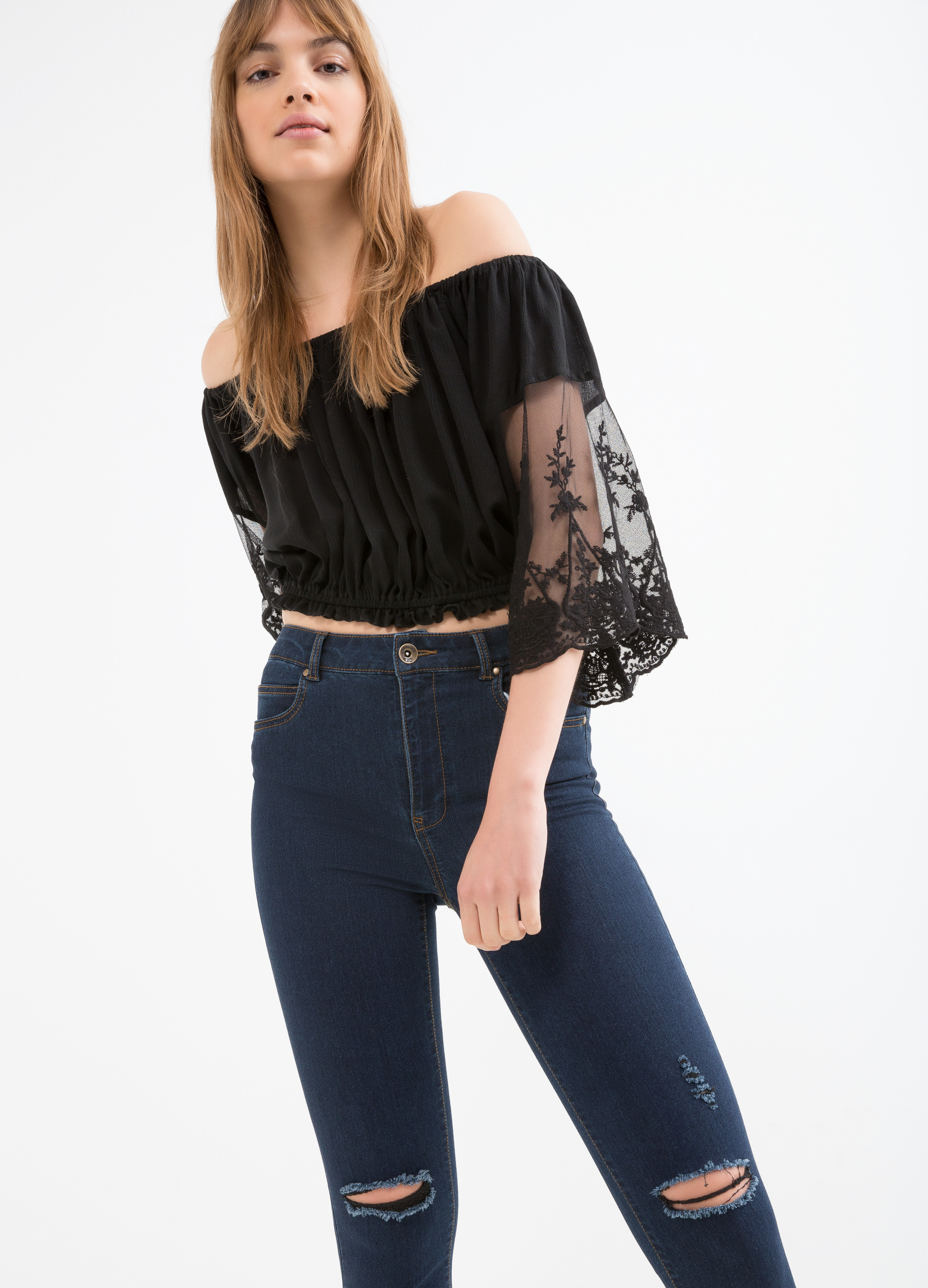 Viscose blend short blouse with lace