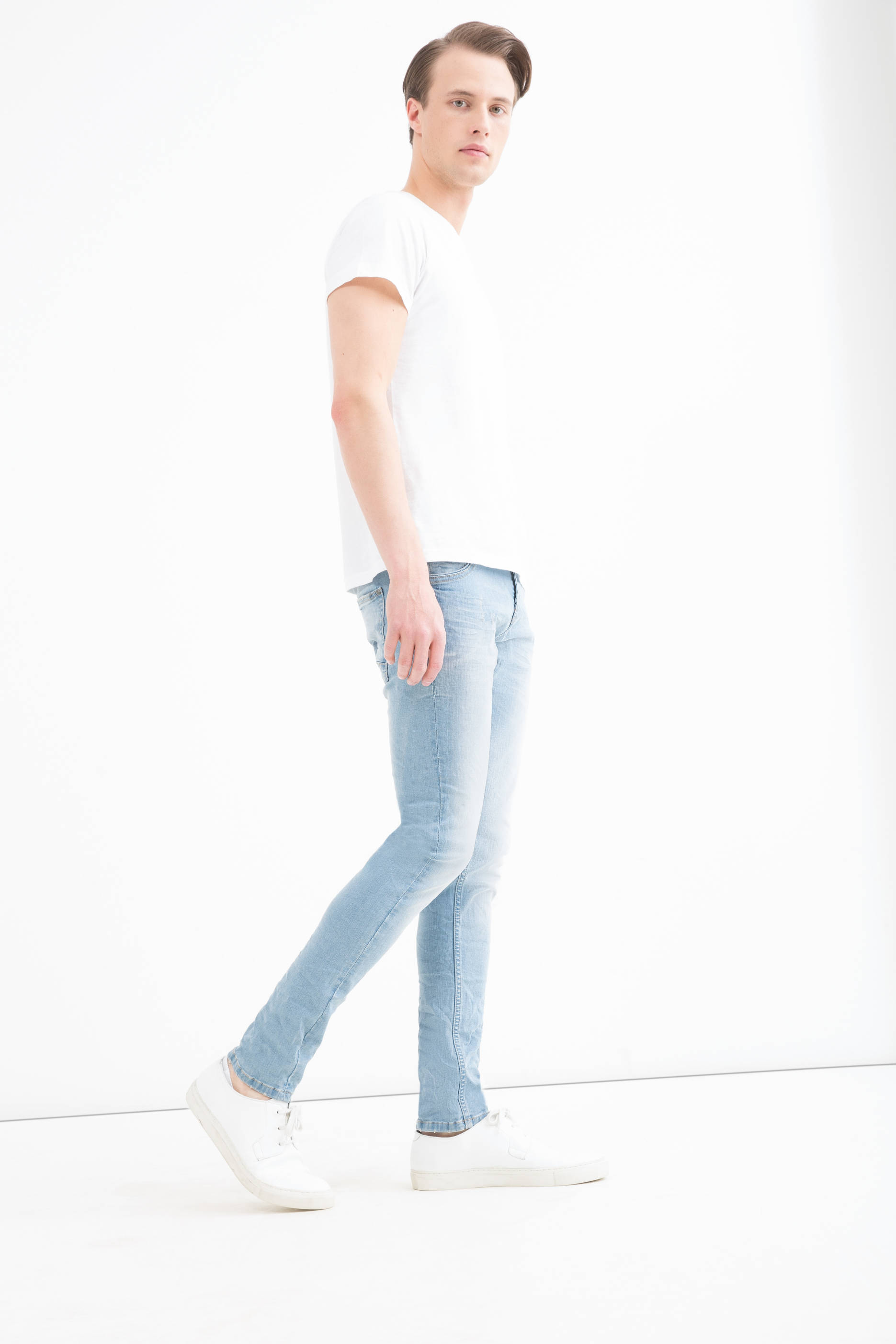 Faded effect jeans with super-skinny fit
