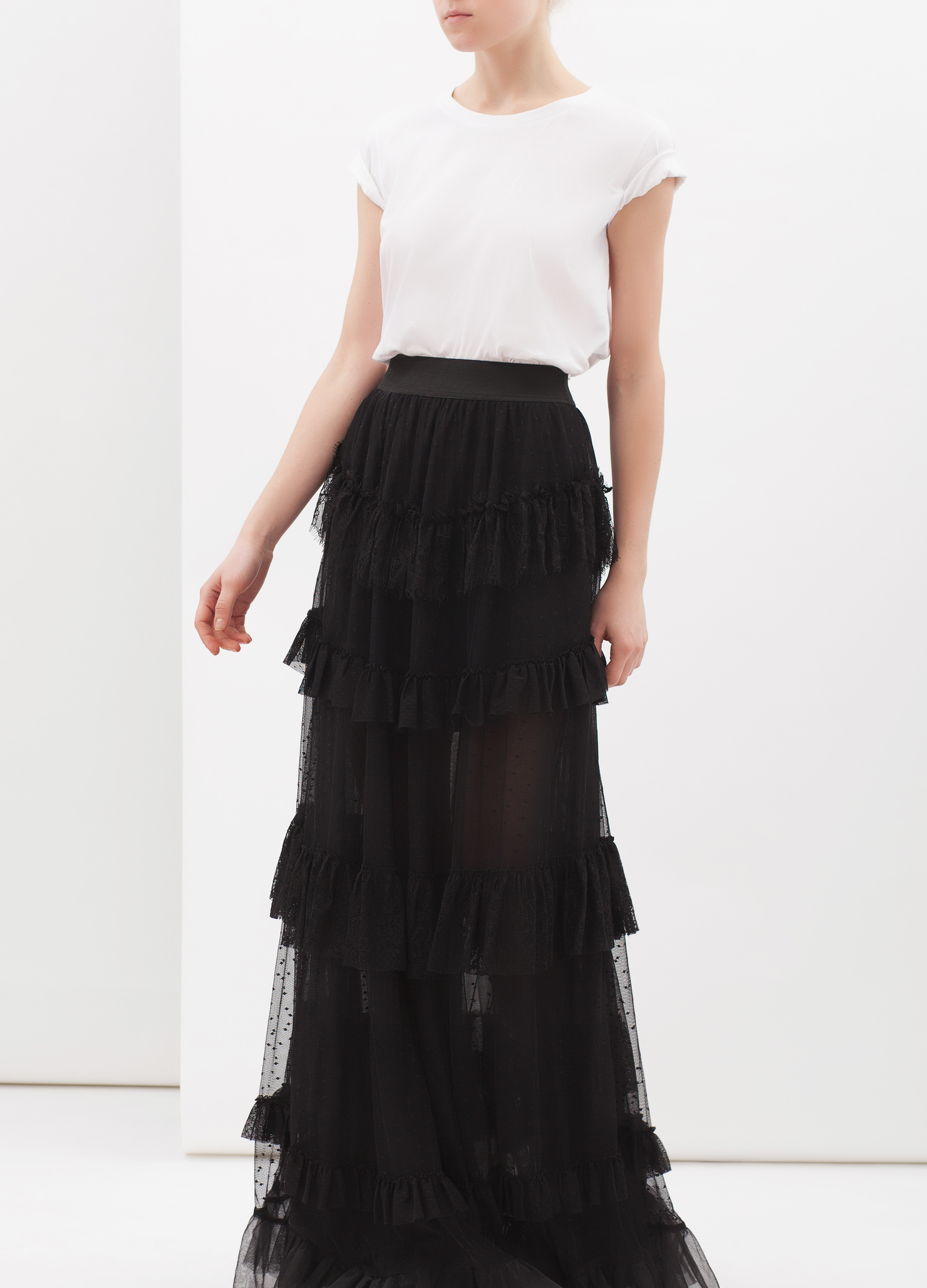 Long skirt in tulle with flounces